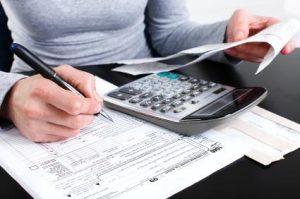139848-425x282-Tax-Documents
