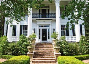 carolyne-roehm-exterior-Charleston-greek-revival-mansion-antebellum-chisholm-alston-departures-southern